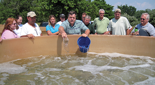 Don Meritt holds a workshop for would-be oyster farmers. Credit: Maryland Sea Grant Extension